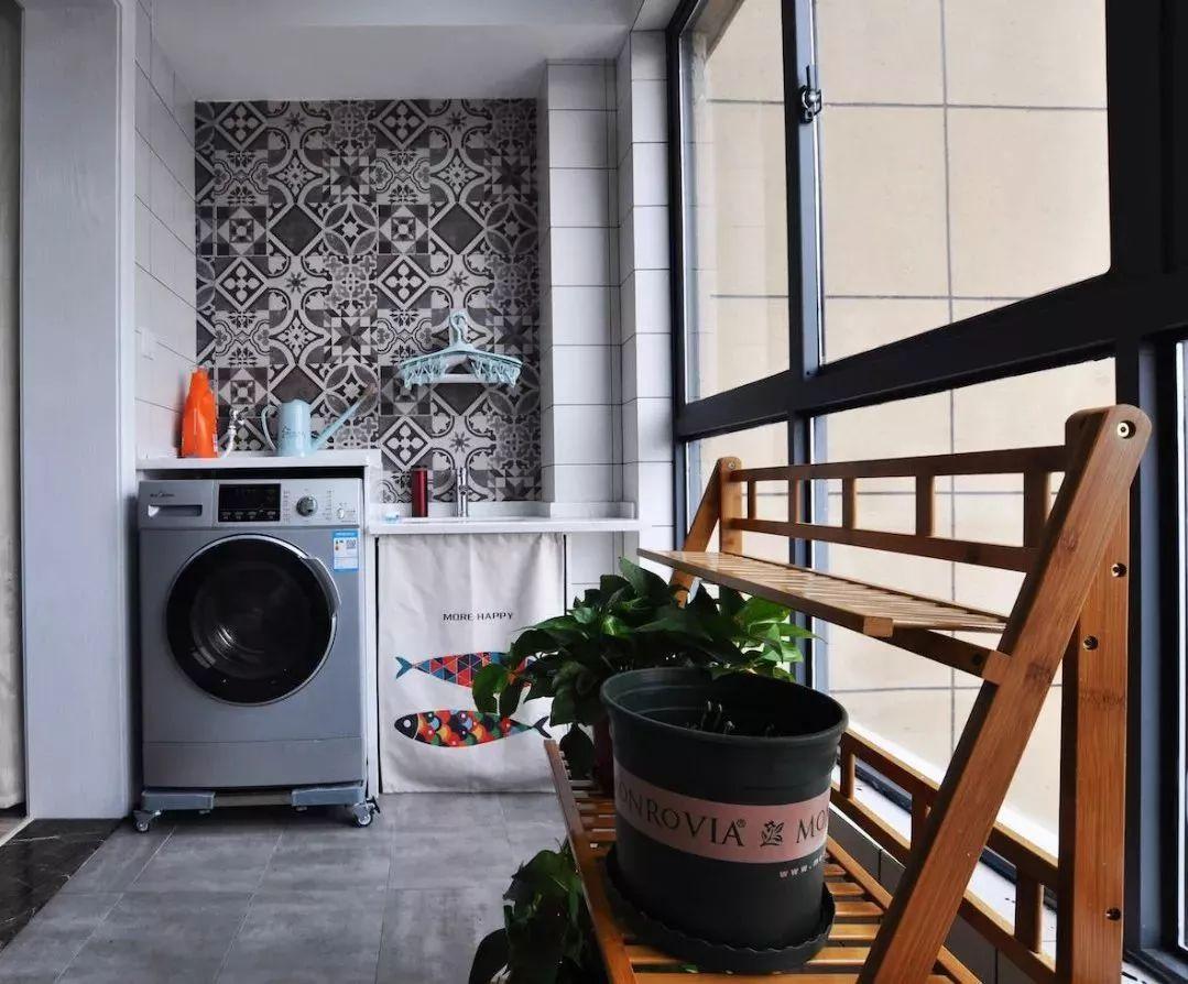 生活 > 正文  复古砖的墙面,适合休闲阳台,通过复古砖来张贴墙面,整体
