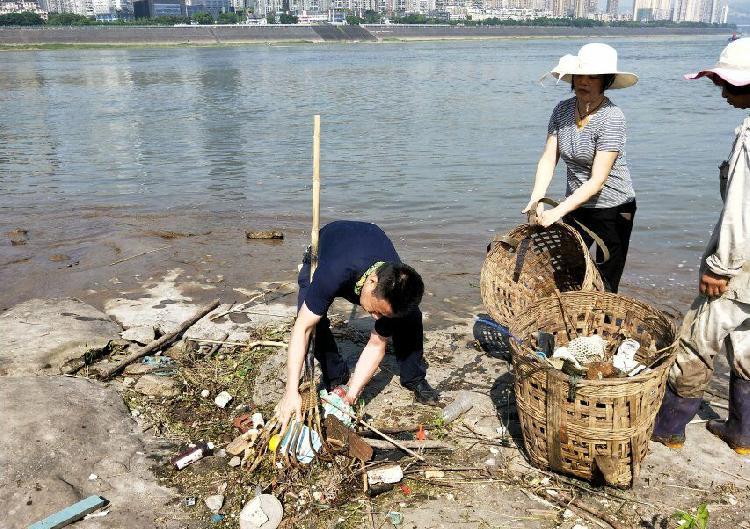 黄村西彭镇重庆高中两年清理长江岸边干群7他你我作文垃圾图片