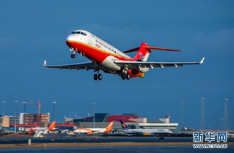 中国arj21喷气客机完成冰岛大侧风试飞_重庆晚报慢_慢