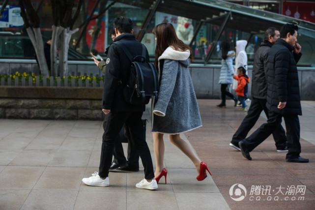 重庆美女精英不畏a美女穿时尚v美女美女火线丝袜的里图片