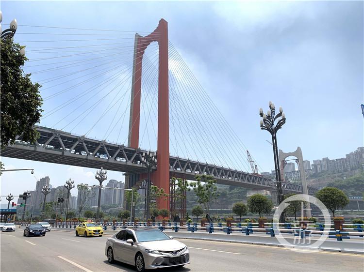 """红岩村嘉陵江大桥""""红""""起来了 还差""""一丁(4986608)-20200802164124.jpg"""