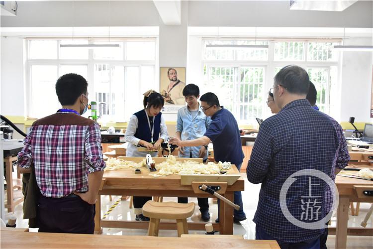 新时代劳动教育如何开展?%0A扎染、木工、口(5273966)-20200926233202.jpg