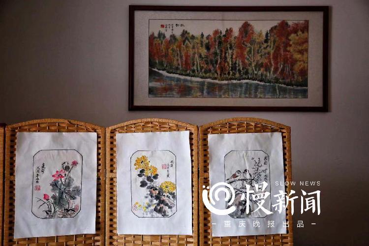 萧兆璞至今仍记得自己第一幅画作是国画《芙蓉小鸡》.