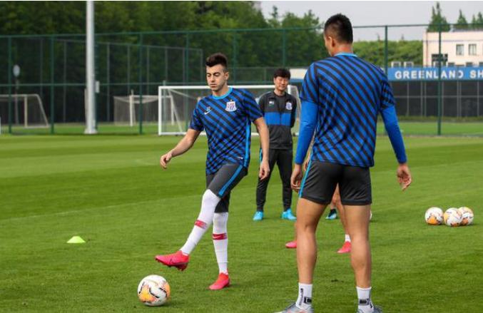 申花大牌外援沙拉维已缺席三天训练,将遭到队内处罚