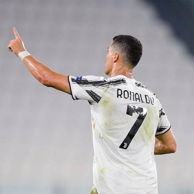 C罗当选尤文赛季最佳球员,31粒进球率队意甲夺冠