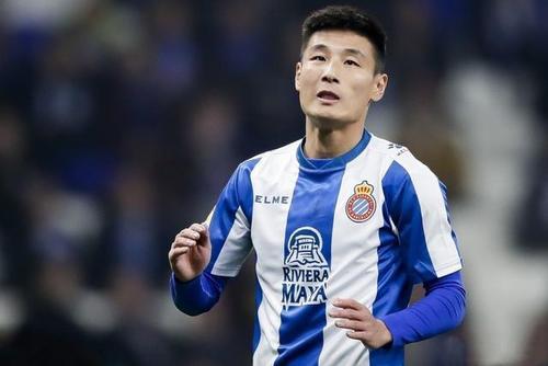 明晨西乙新赛季打响,武磊入选大名单有望首发
