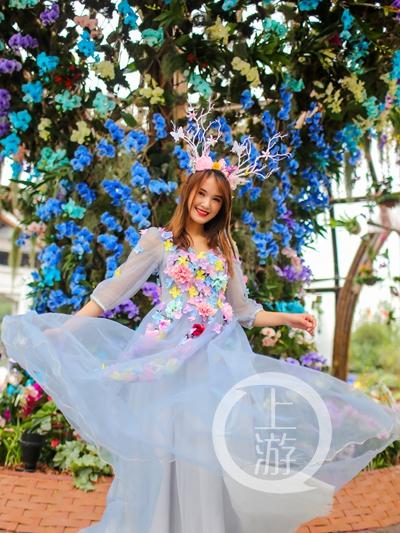 """各大展园中的美丽""""花仙子""""总是能吸引观展市民的目光,也为花博现场注入了青春活力 (1).jpg"""