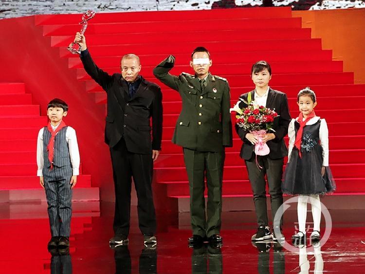 重庆英雄刘传建当选2018年度《感动中国》十大人物 颁奖典礼今晚播出