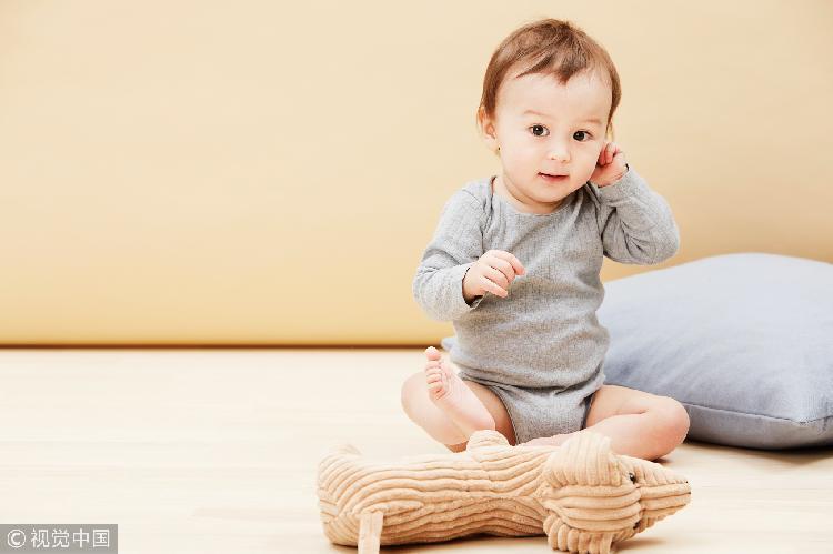 宝宝手臂痛可能是牵拉肘