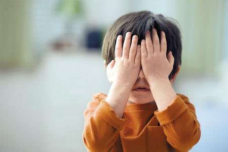 这些行为是伤害孩子视力的元凶!