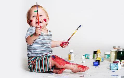 """宝宝的这些""""坏习惯"""" 家长少点干预"""