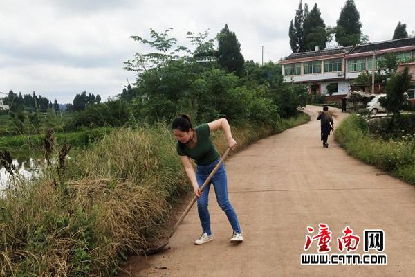潼南區着力提升群衆對瓊江河道治理工作的知曉率和滿意度