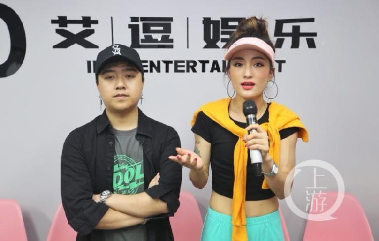 朱林波(左)和陈晓朵接受记者采访.jpg