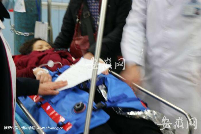 合肥多个公交站被雪压倒!超过20人受伤