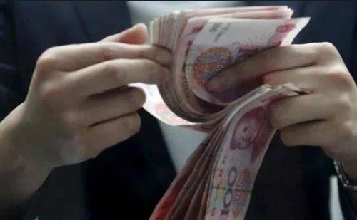 学生借款1.4万1月后要还10万 因签借条时忽略这事