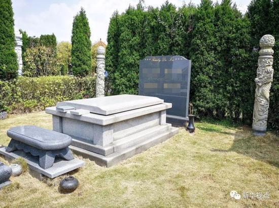 2018年4月2日 ,贵州省贵阳市清镇(县级)市红枫艺术陵园的一处豪华墓地,长约10米、宽约5米。新华社记者陶亮 摄