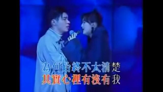 郑秀文和许志安夫妻挽手现身英国,甜蜜如新婚,出轨成往事云烟