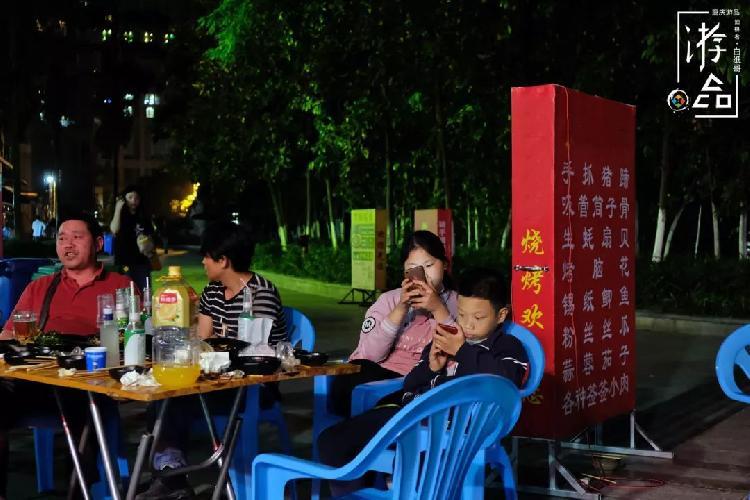 重慶人的夜生活:你家樓下的燒烤,總是最好的