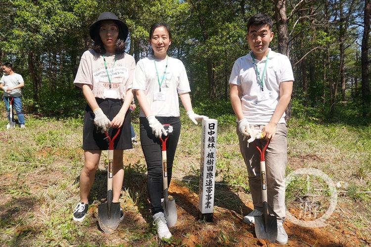 重庆27名优秀大学生赴日种下友谊之树