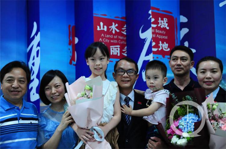 欢迎回家!第九批中国援巴新医疗队回国