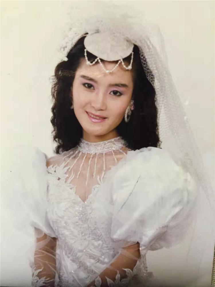"""1985,施惠群在""""金夫人""""拍的盒带封面(3204995)-20190823064328.jpg"""