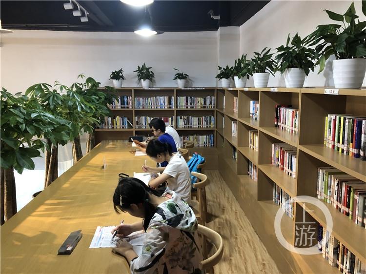 江北区图书馆国奥村分馆(3266693)-20190830130912_副本.jpg