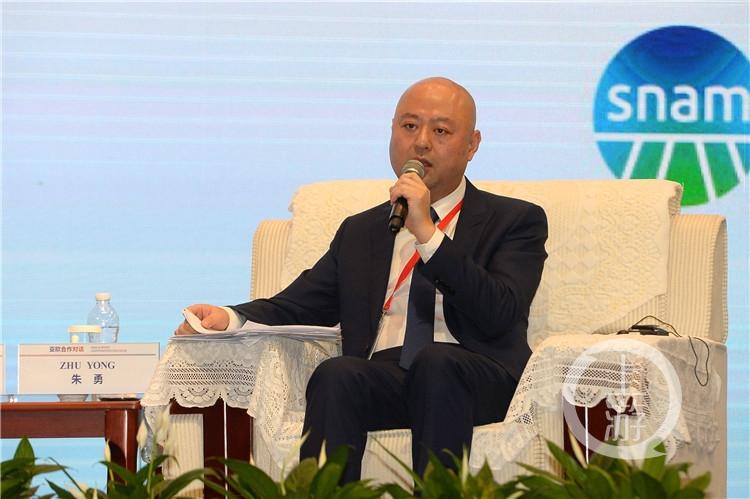 百度人工智能技术委员会主席  朱勇(3785712)-20191202191535_副本.jpg
