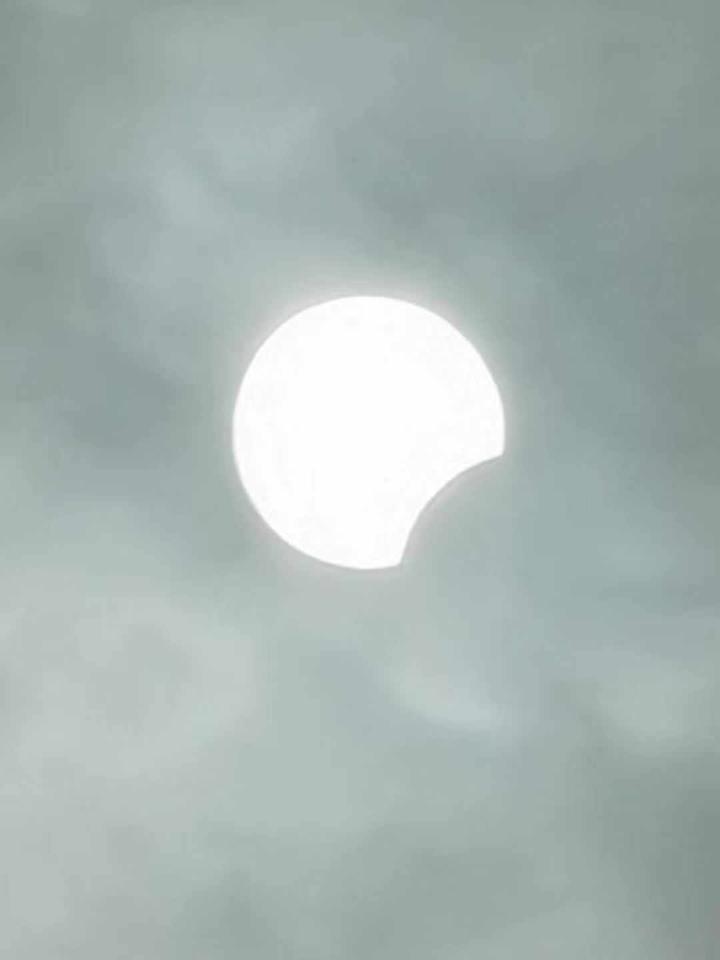 2019年最后一场星空大戏正在上演 重庆今天中午出现日偏食