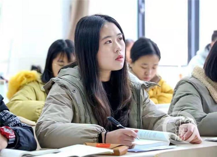 带着养父上大学,永川大学生获评2020年(5779395)-20210114083823.jpg