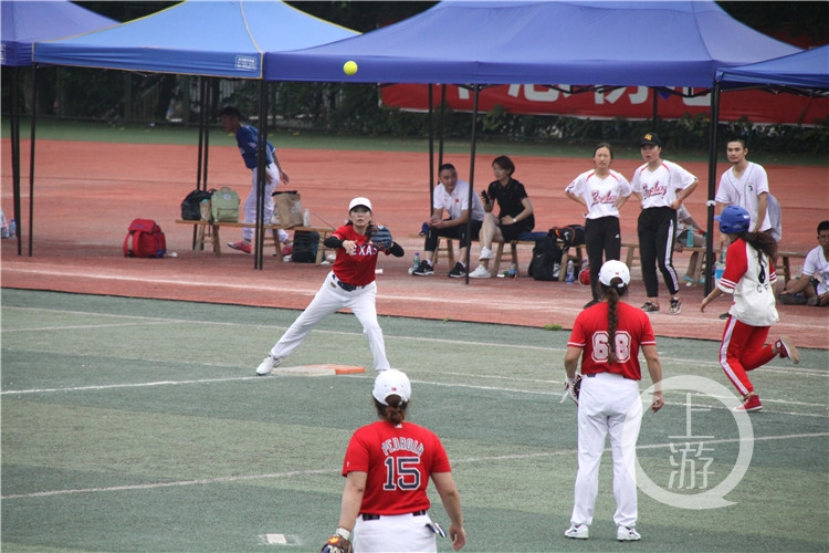 平均年龄55岁!重庆首批女子垒球队回归!(6199085)-20210415213635.jpg