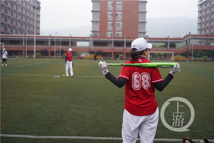 平均年龄55岁!重庆首批女子垒球队回归!(6199105)-20210415213702.jpg
