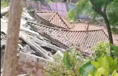 重庆南山一独栋别墅被业主挖地下室挖垮