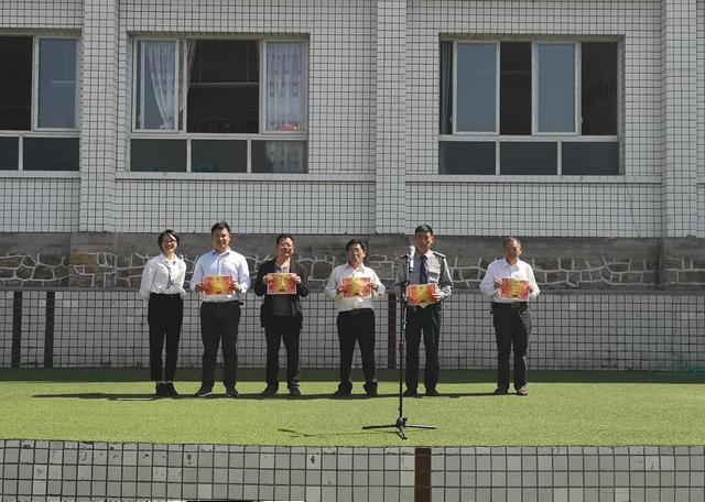 """重庆市南川石墙小学开展""""学党史、诵红色经典""""诵读比赛"""