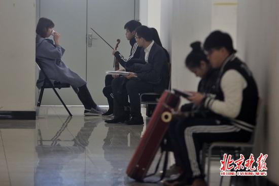 艺考生3万人赶考传媒大学 表演专业录取比327:1