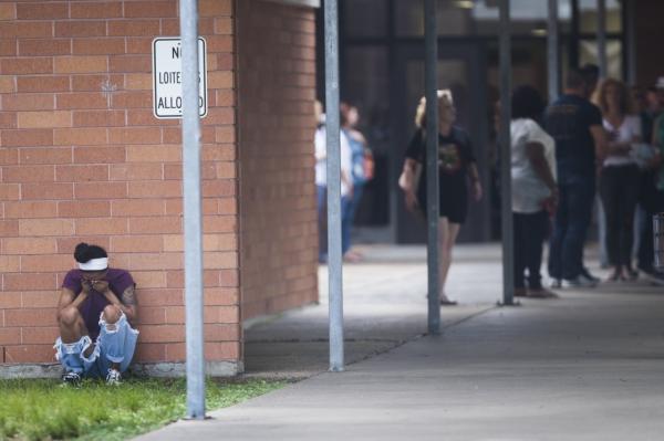 控枪呼声后校园枪击仍频发 美学生称已无安全感