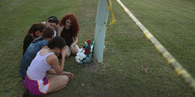 美国今年校园枪击案死亡人数 已超军队战争总数