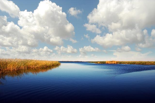 8条老摄影家个人经验技巧,教你拍摄出水天一色的摄影画面