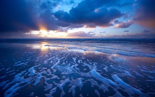 摄影者夏天不可错过的拍摄题材大海,构图方法和技巧一览