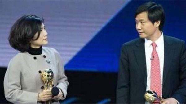 """雷军输掉与董明珠的""""十亿赌局"""":2018年小米营"""