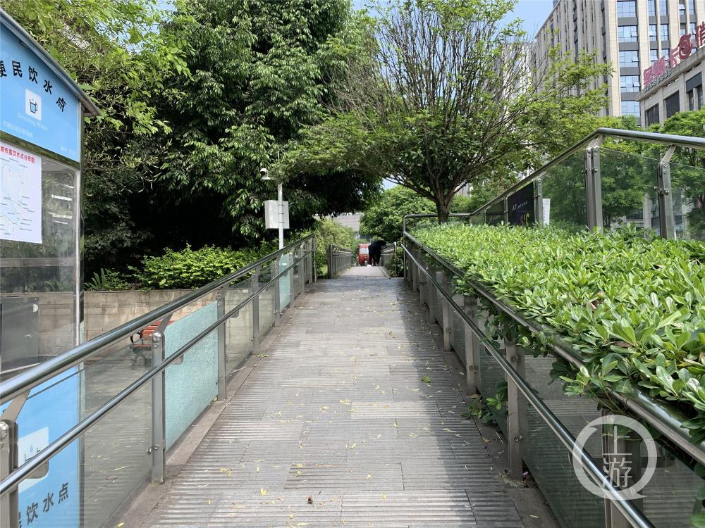 龙洲湾商街2_副本.jpg