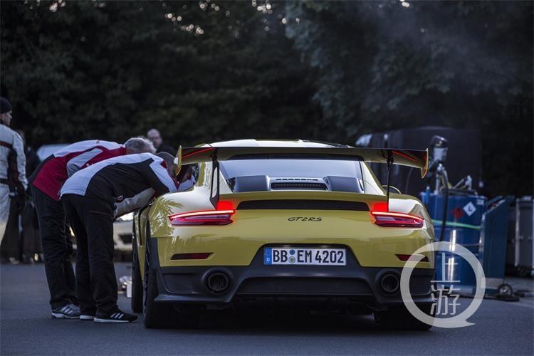 6分47.3秒 —— 911 GT2 RS缔造公路跑车纽北圈速新纪录-2.jpg