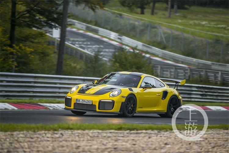 6分47.3秒 —— 911 GT2 RS缔造公路跑车纽北圈速新纪录-6.jpg