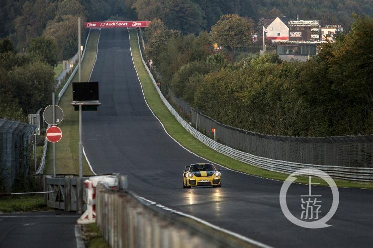 6分47.3秒 —— 911 GT2 RS缔造公路跑车纽北圈速新纪录-1.jpg