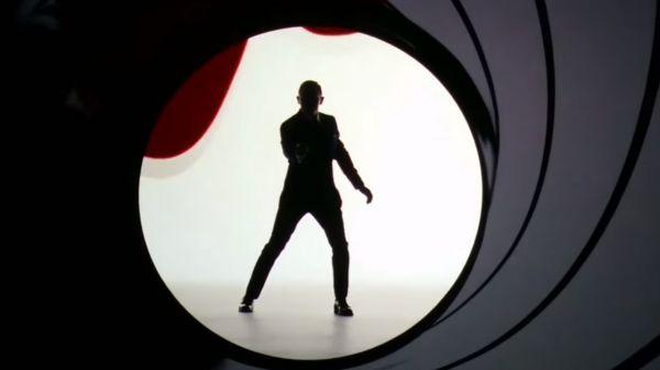 图说  007海报