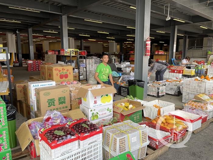 配图:传统农产品市场转型升级,菜园坝农产-FZ10046264800.jpg
