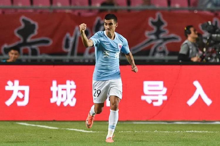 天津足协否认为转会设置障碍,证实外援莱昂纳多已转会鲁能