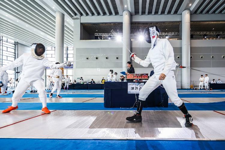 重庆市青少年击剑锦标赛开幕!世界冠军盛赞重庆场馆想在山城收徒