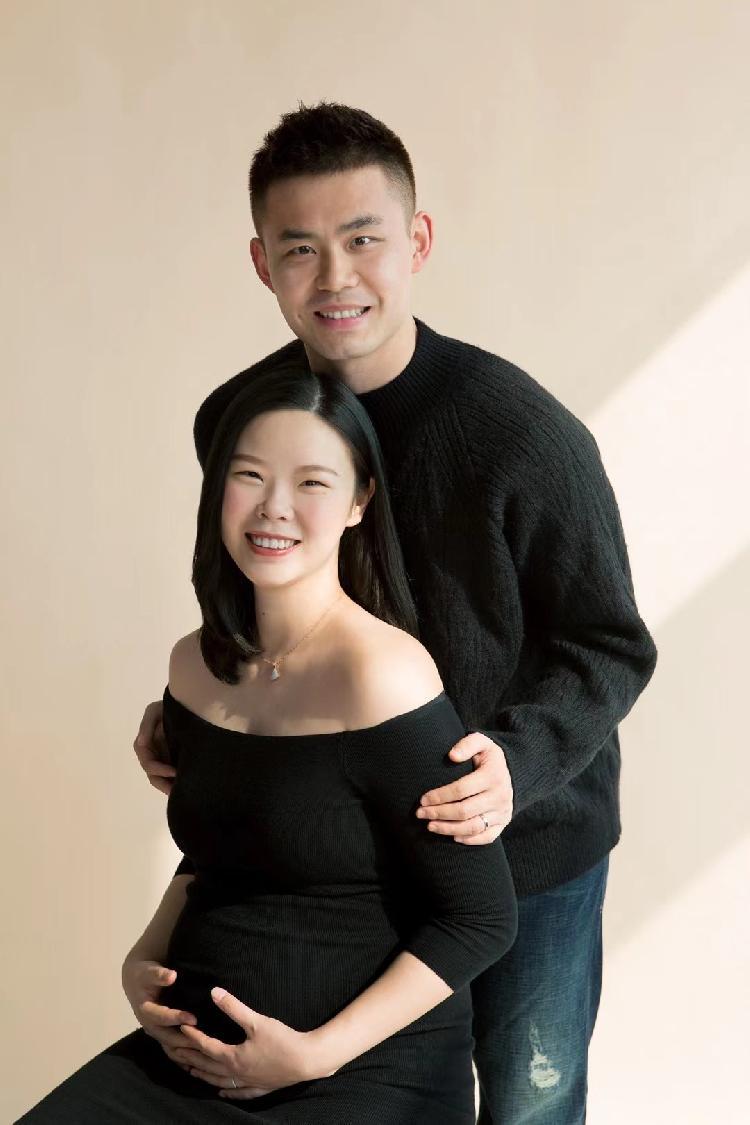 李雪芮公布怀孕喜讯,国羽又添世界冠军宝宝