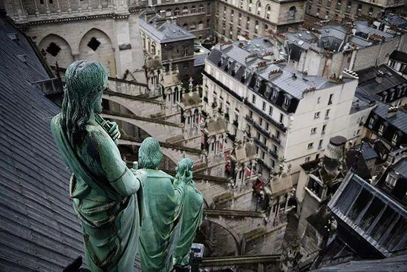 """重修巴黎圣母院多贵?马克龙求""""全球捐"""",Gucci一亿欧 育碧出结构图……"""