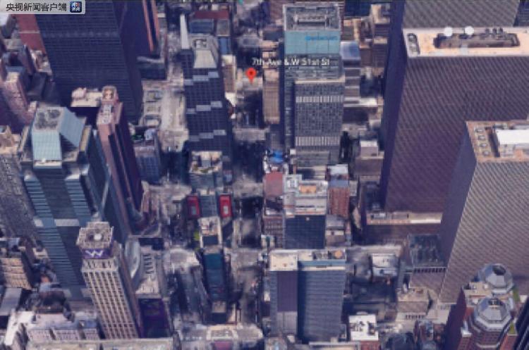一架直升机在纽约高楼顶部迫降失败并起火 已致1死